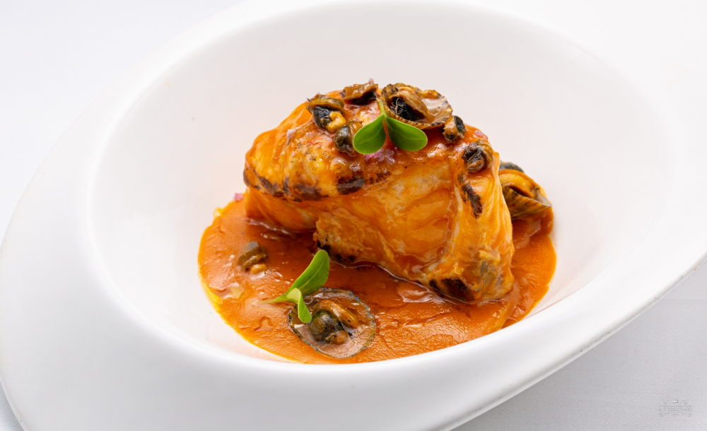 Galana-style monkfish (in limpet sauce)