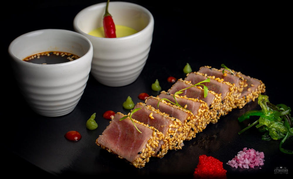 Bluefin tuna tataki with soy sauce, wasabi foam and sweet-and-sour sauce