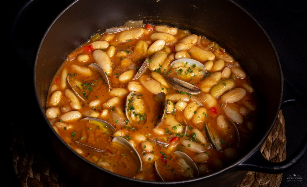 Asturian beans stew with claims