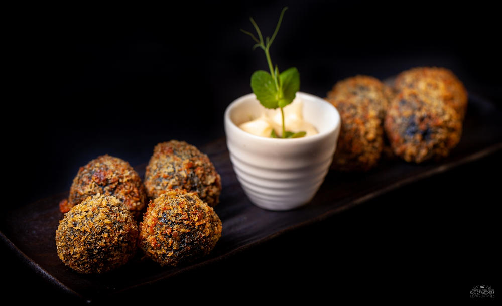 Squid in its ink' Croquettes with Alioli (Garlic Mayonnaise)